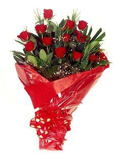 12 adet kirmizi gül buketi  Polatlıdaki çiçekçiler