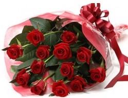 Polatlı anneler günü çiçek yolla  10 adet kipkirmizi güllerden buket tanzimi