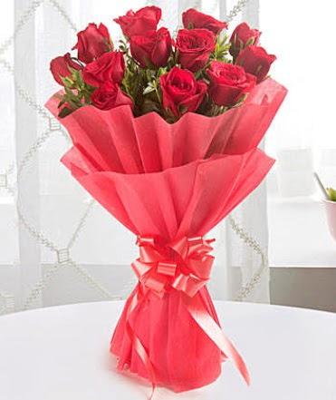 12 adet kırmızı gülden modern buket  Ankara Polatlı çiçek yolla