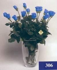 14 şubat sevgililer günü çiçek  mika vazo yada cam Vazoda 11 adet mavi güller