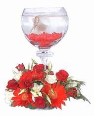 14 şubat sevgililer günü çiçek  Kadehte estetik aranjman