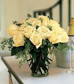 çiçek siparişi sitesi  11 adet sari gül mika yada cam vazo tanzim