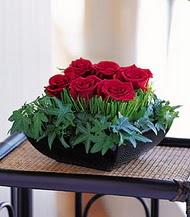 çiçek siparişi sitesi  10 adet kare mika yada cam vazoda gül tanzim