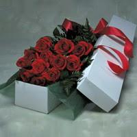 Ankara Polatlı online çiçek gönderme sipariş  11 adet gülden kutu