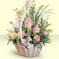 14 şubat sevgililer günü çiçek  sepette pembe güller