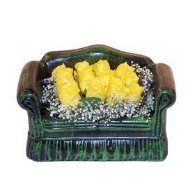 Seramik koltuk 12 sari gül   ucuz çiçek gönder