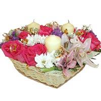 sepette hersey içinde   14 şubat sevgililer günü çiçek
