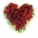 kalp biçiminde 15 gülden   Polatlıda çiçekçi güvenli kaliteli hızlı çiçek
