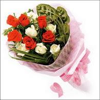 5 kirmizi 5 beyaz güllerden   Ankara Polatlı online çiçek gönderme sipariş