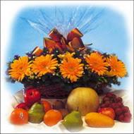 sepette gerbera ve meyvalar   çiçekçi mağazası