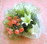 Ankara Polatlı çiçek yolla  lilyum ve 7 adet gül buket