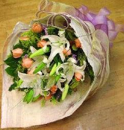 Polatlı internetten çiçek satışı  11 ADET GÜL VE 1 ADET KAZABLANKA
