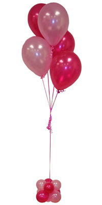 Sevdiklerinize 17 adet uçan balon demeti yollayin.  çiçekçi mağazası