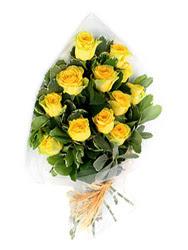 Polatlıda çiçekçi güvenli kaliteli hızlı çiçek  12 li sari gül buketi.