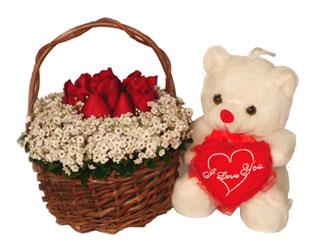 Polatlıya çiçek çiçek mağazası , çiçekçi adresleri  Sepet içerisinde güllerle hazirlanmis ayicikli ara
