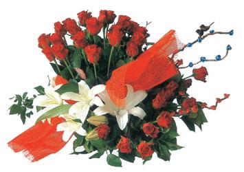 ucuz çiçek gönder  17 adet gül ve kazablanka çiçegi aranjmani