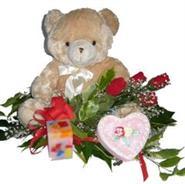 Ankara Polatlı online çiçek gönderme sipariş  4 adet gül , oyuncak , mum ve kutu çikolata