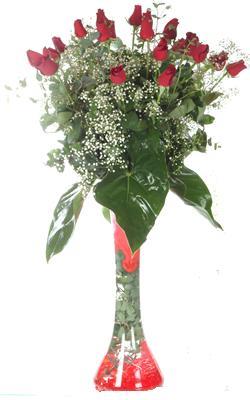 Polatlı uluslararası çiçek gönderme  19 ADET GÜL VE FIL CAM AYAGI