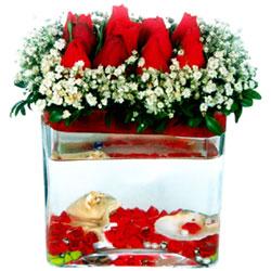 Polatlı cicek , cicekci  12 adet kirmizi gül cam yada mika vazoda