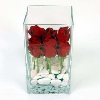 Polatlıdaki çiçekçiler  7 adet kirmizi gül cam yada mika vazo içinde