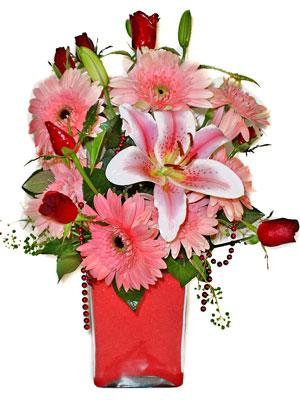Polatlı cicek , cicekci  karisik cam yada mika vazoda mevsim çiçekleri mevsim demeti