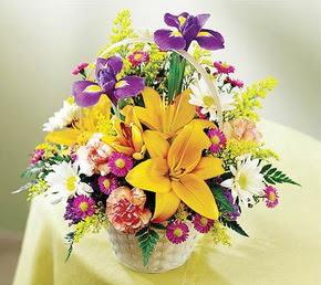 cicekciler , cicek siparisi  Karisik mevsim çiçeklerinden sepet tanzimi