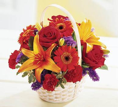 Polatlıdaki çiçekçiler  Sepet içerisinde mevsim çiçekleri