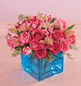 Ankara Polatlı online çiçek gönderme sipariş  13 adet kirmizi gül ve cam yada mika vazo