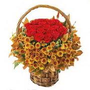 Polatlı yurtiçi ve yurtdışı çiçek siparişi  Sepet içerisinde 9 adet kirmizi gül ve kir çiçegi