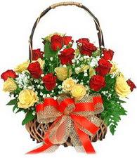 Polatlı çiçek satışı  11 sari 8 kirmizi gülden sepet tanzimi