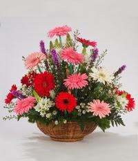 Sepet içerisinde karisik kokulu çiçekler  Polatlıdaki çiçekçiler çiçek servisi , çiçekçi adresleri