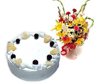4 -6 kisilik Yaspasta ve karisik buket  Polatlı internetten çiçek satışı