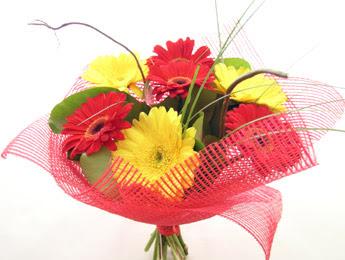 9 adet gerbera çiçeklerinden buket  Polatlı çiçek satışı