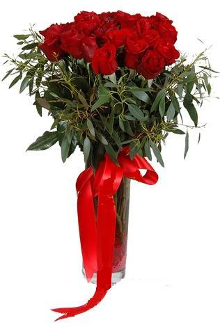 15 adet kirmizi gül cam vazo içerisinde  Polatlı internetten çiçek satışı
