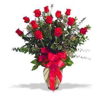 çiçek siparisi 11 adet kirmizi gül cam vazo  Ankara Polatlı online çiçek gönderme sipariş