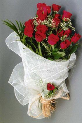 10 adet kirmizi güllerden buket çiçegi  Polatlı yurtiçi ve yurtdışı çiçek siparişi