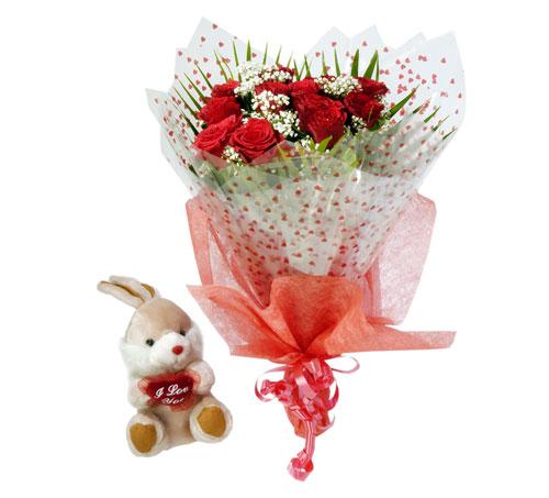 10 adet kirmizi gül buketi ve hediye oyuncak  Polatlıya çiçek çiçek mağazası , çiçekçi adresleri