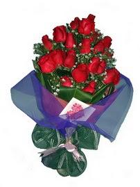 12 adet kirmizi gül buketi  Ankara Polatlı online çiçek gönderme sipariş