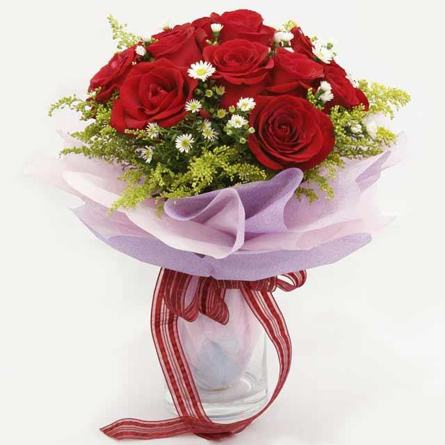 Çiçek gönderme estetikliginiz 11 gül buket  çiçekçi mağazası