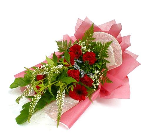 Karisik çiçek buketi mevsim buket çiçek siparişi sitesi