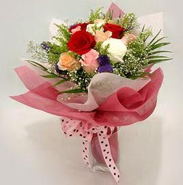 Karisik renklerde 11 adet gül buketi  Polatlıda çiçek firması çiçek gönderme