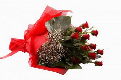 çiçek siparişi sitesi  11 adet kirmizi gül buketi çiçekçi