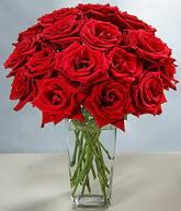 çiçekçi mağazası  cam vazoda 11 kirmizi gül  Polatlı hediye sevgilime hediye çiçek