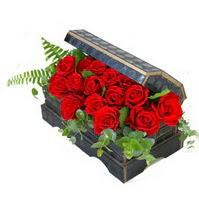 Sandik içerisinde 21 adet kirmizi gül çiçek siparişi sitesi
