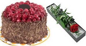 1 adet yas pasta ve 1 adet kutu gül  Polatlı uluslararası çiçek gönderme