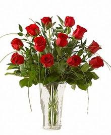 cam yada mika vazo içerisinde 9 kirmizi gül çiçek siparişi sitesi