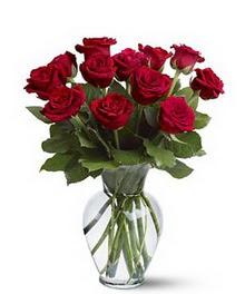 Polatlı çiçek gönderme sitemiz güvenlidir  cam yada mika vazoda 10 kirmizi gül
