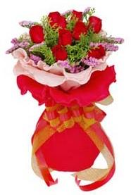 cicekciler , cicek siparisi  8 Adet kirmizi güllerden buket tanzimi