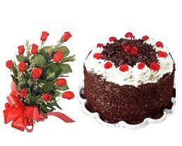 ucuz çiçek gönder  10 adet kirmizi gül buketi ve yaspasta