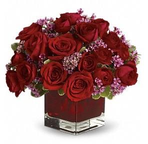 11 adet kırmızı gül vazosu  Polatlıdaki çiçekçiler